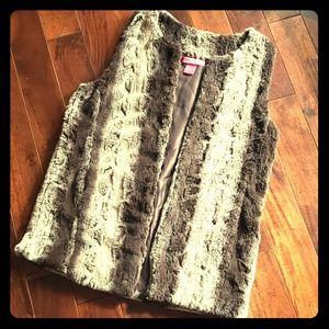 Betsey Johnson Faux Fur Vest Brown sz Small